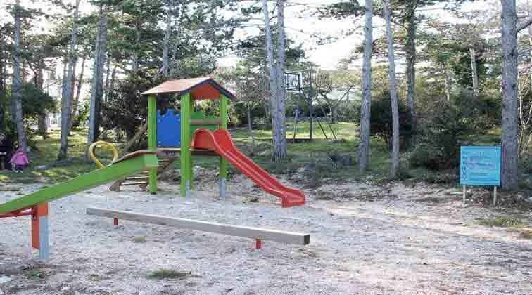 Spielplatz am Waldrand