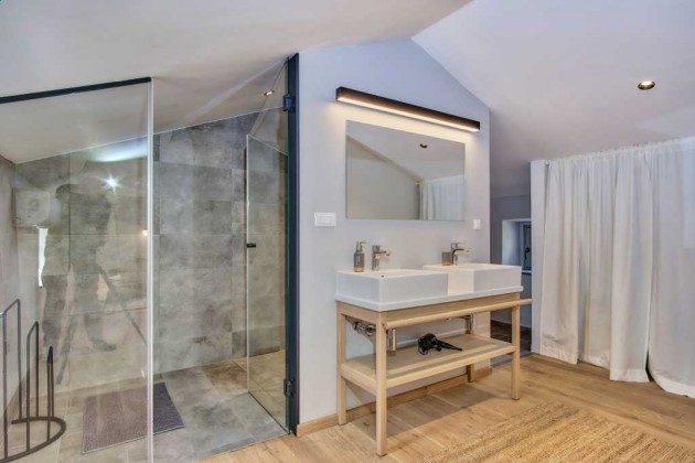 Duschbad im Obergeschoss - Bild 1 - Objekt 226904-1