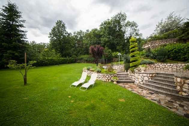 Garten mit großer Rasenfläche - Objekt 2121-1