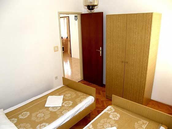 A2 Schlafzimmer 2 - Bild 1 - Objekt 160284-84