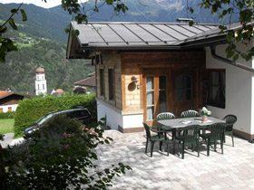 Ferienhaus Tirol mit nahegelegener Tennisanlage