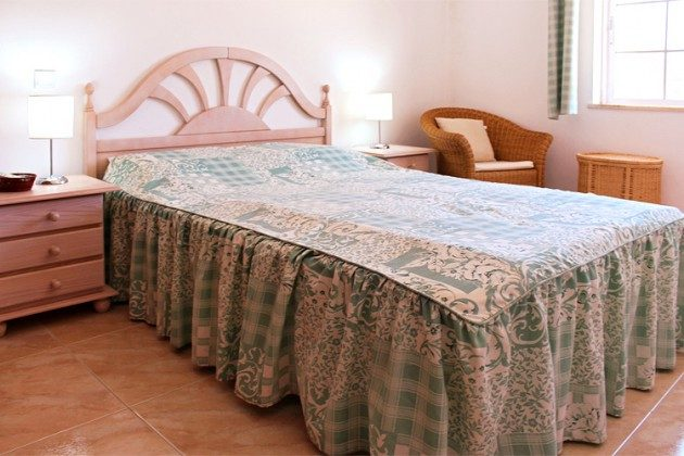 Ferienwohnung Quinta da Caldeira T2B - Schlafzimmer 1 mit Doppelbett