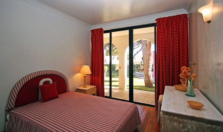 Schlafzimmer 1 EG Algarve Vilamoura Ferienvilla Ref. 152139-2