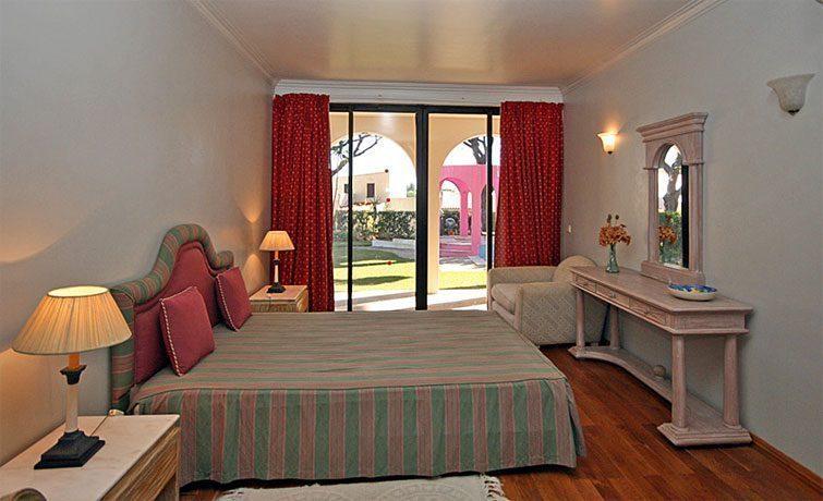 Schlafzimmer 2 EG Algarve Vilamoura Ferienvilla Ref. 152139-2