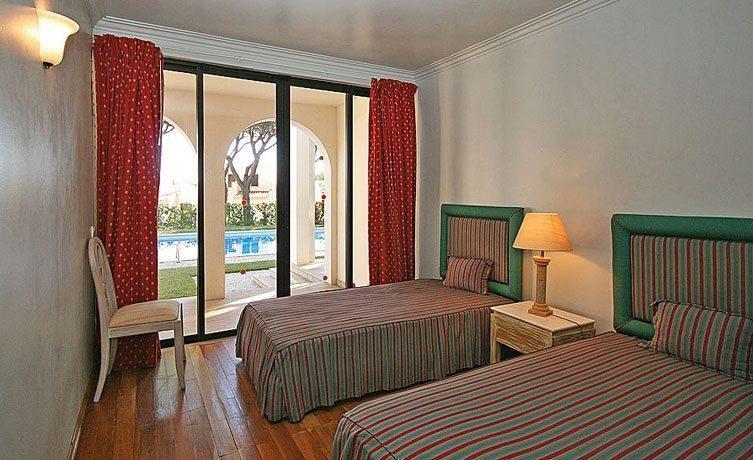 Schlafzimmer 3 EG Algarve Vilamoura Ferienvilla Ref. 152139-2