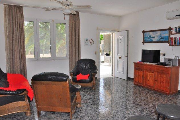 Wohnzimmer rechts