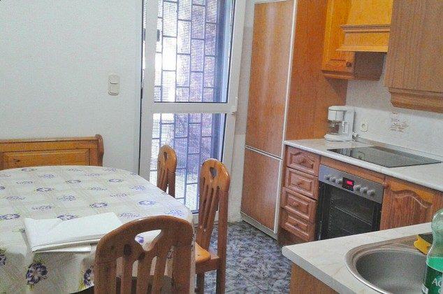 Wohnküche links