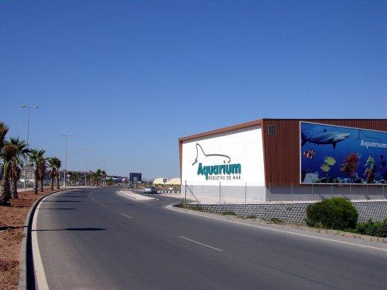 Aquarium neben Aguapark