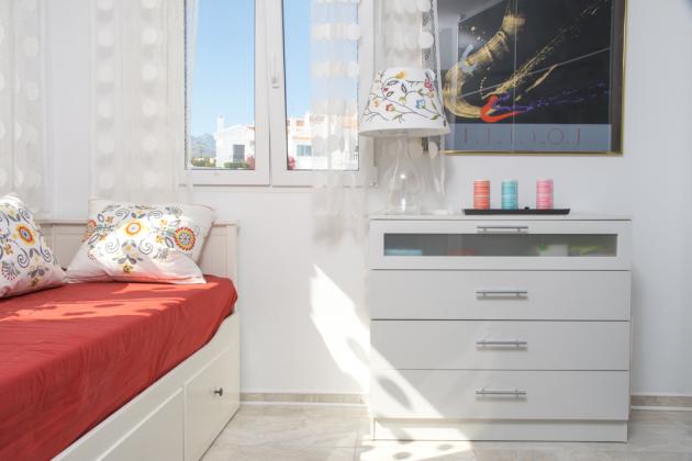 Schlafzimmer klein obere Etage