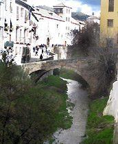 Brücke vor dem Haus Apartment Granada Andalusien