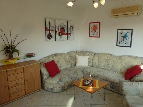 Wohnzimmer untere Wohnung