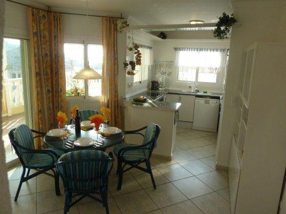 Essecke und Küche untere Wohnung