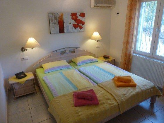 Schlafzimmer untere Wohnung