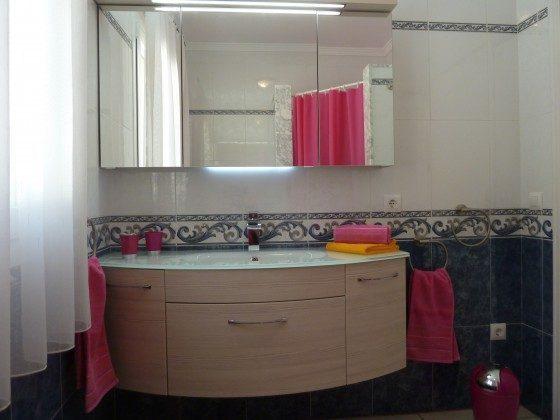 Badezimmer obere Wohnung