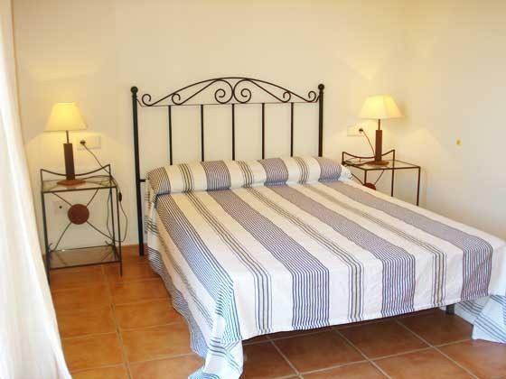 Doppelbett Mas Pinell 89 Ferienhäuser in Wohnanlage Ref. 140331-19