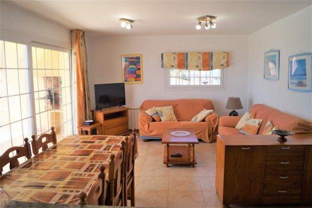 1 Wohnzimmer: