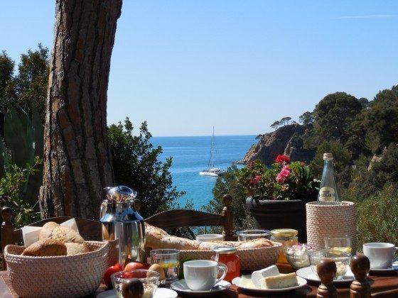 Blick von der Terrasse auf die Bucht
