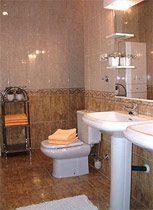 Ferienhaus Benajarafe Badezimmer