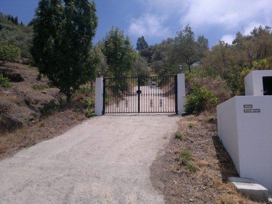 Andalusien Ferienhaus Villa Sayalonga Ref. 186793-7 Einfahrt
