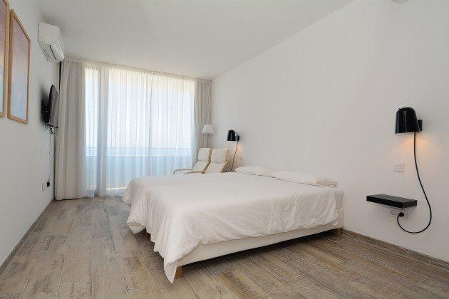 FUE 110068-52 Schlafzimmer mit Einzelbetten