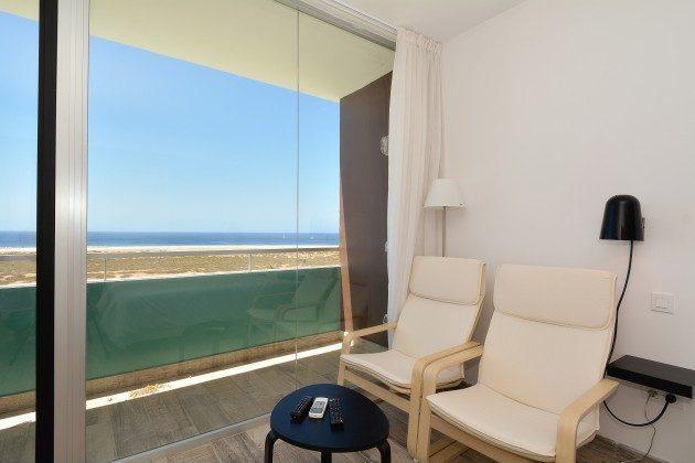 FUE 110068-52 Sitzplatz und Blick auf das Meer im zweiten Schlafzimmer