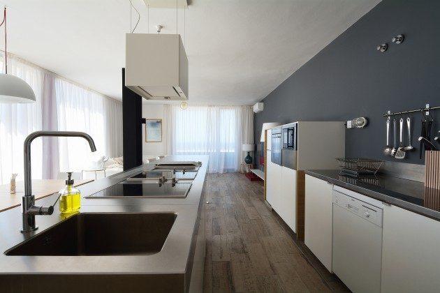 FUE 110068-52 gut ausgestattete Küche