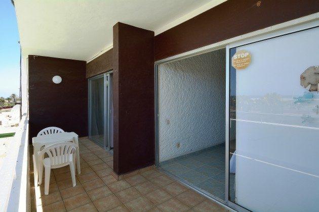 FUE 110068-53 Zugang zum Balkon vom Wohnbereich und vom Schlafzimmer