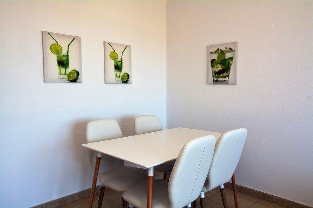 FUE 110068-54 Esstisch mit 4 Stühlen