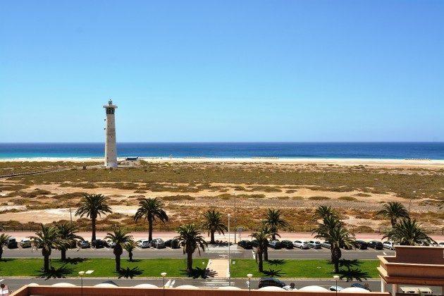 FUE 110068-54 Blick auf den Leuchtturm von Morro Jable