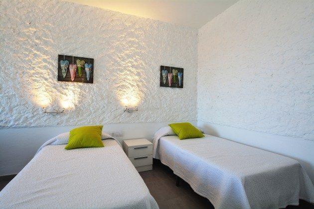 FUE 110068-55 Schlafbereich mit zwei Einzelbetten