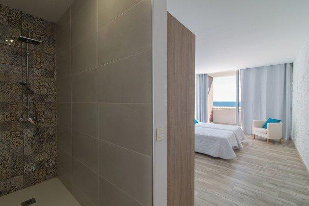 FUE 110068-86 Duschbad en-suite zum Schlafzimmer