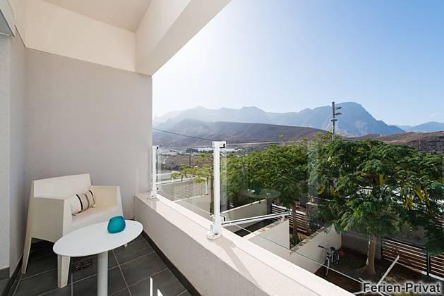 Balkon mit Blick auf die Berge