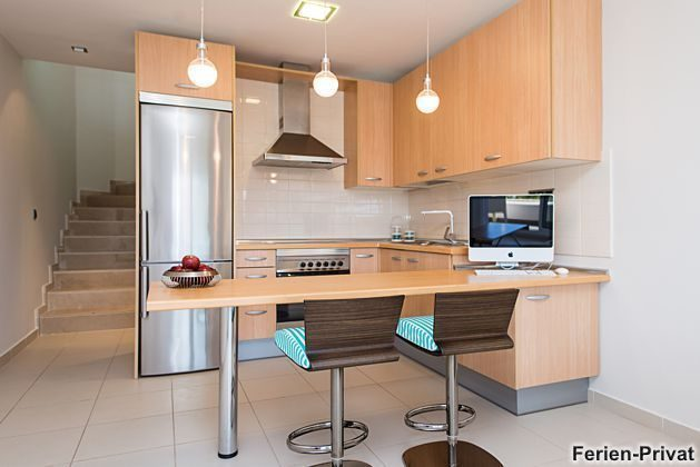 Küchenzeile mit Mac-PC