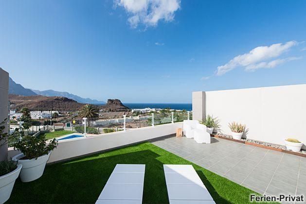 Terrasse mit herrlichem Ausblick auf das Meer