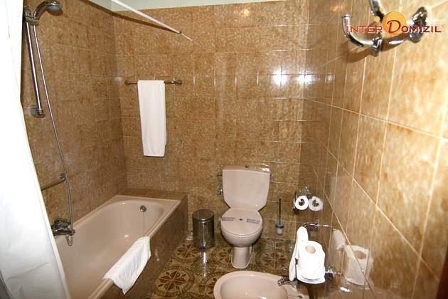 Badezimmer der Suite mit Wanne