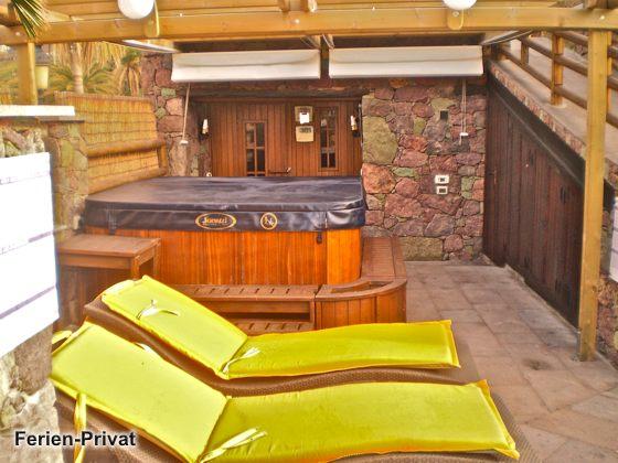 Whirlpool und Sauna