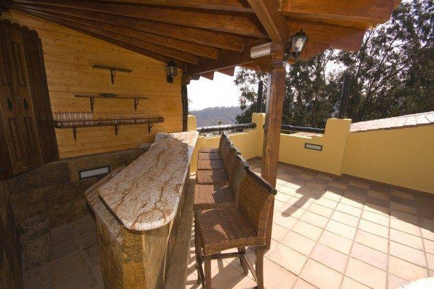 Terrasse mit Bar und schönem Ausblick