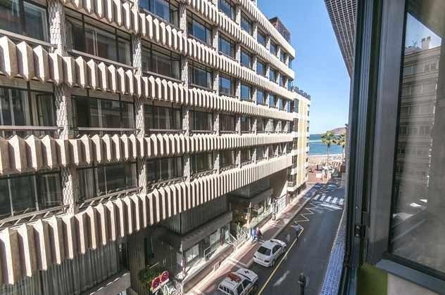 Ausblick und gegenüber liegendes Gebäude