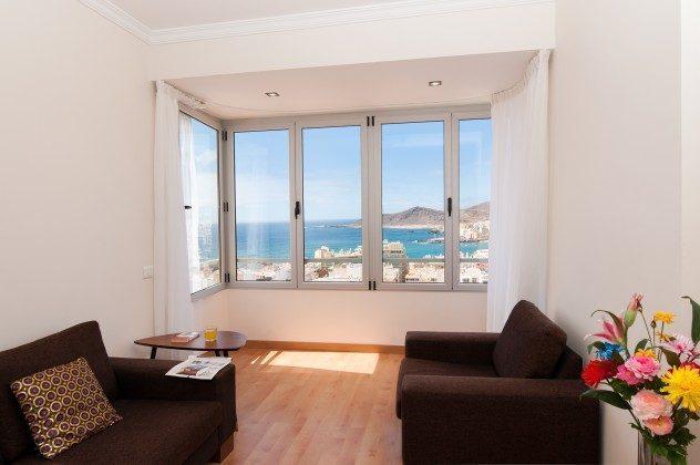 GC 164835-19 Wohnzimmer mit vorgebautem Erker und tollem Ausblick