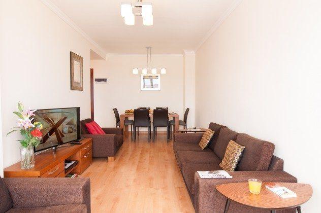 GC 164835-19 Wohnzimmer mit Esstisch