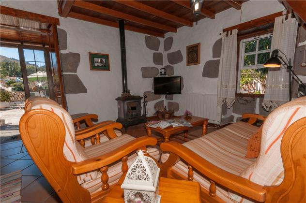 GC 2584-66 Wohnbeispiel Sitzbereich und Blick zur Terrasse