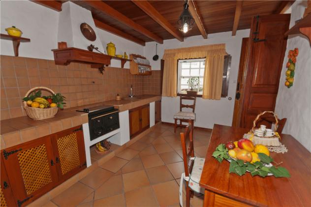 GC 2584-66 Wohnbeispiel Küche
