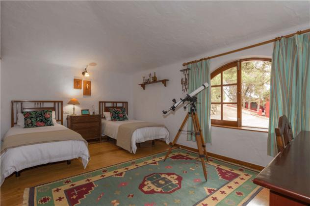 GC 2584-92 weiteres Schlafzimmer mit zwei Einzelbetten