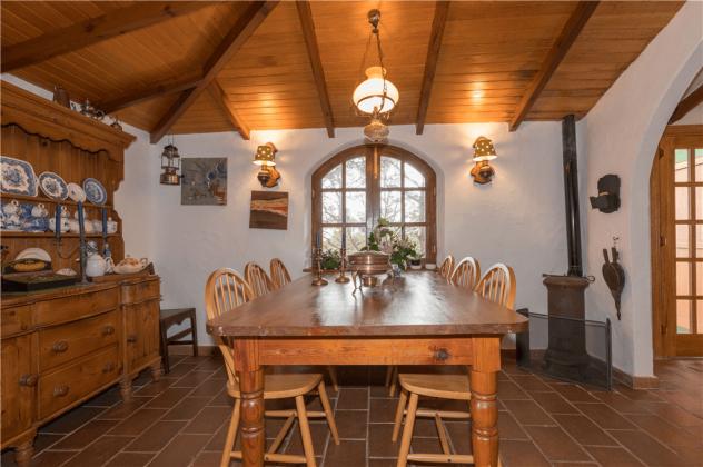 GC 2584-92 Küche und Esstisch