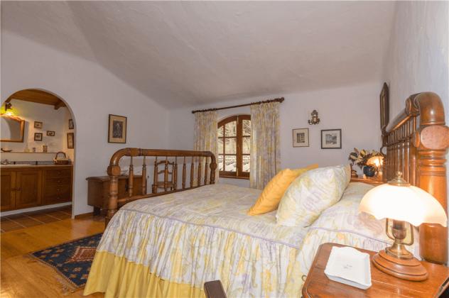 GC 2584-92 Schlafzimmer mit Doppelbett mit Badezimmer en-suite