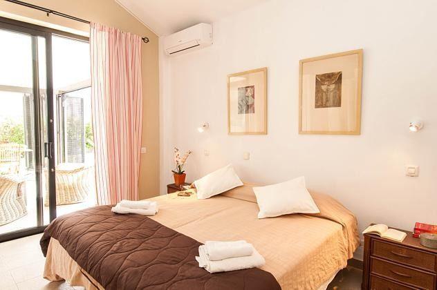 GC 150098-1 Schlafzimmer mit Doppelbett
