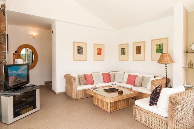 GC 150098-1 gemütliches Wohnzimmer mit SAT-TV
