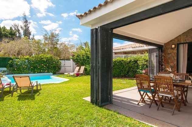 Terrasse, Garten und Pool