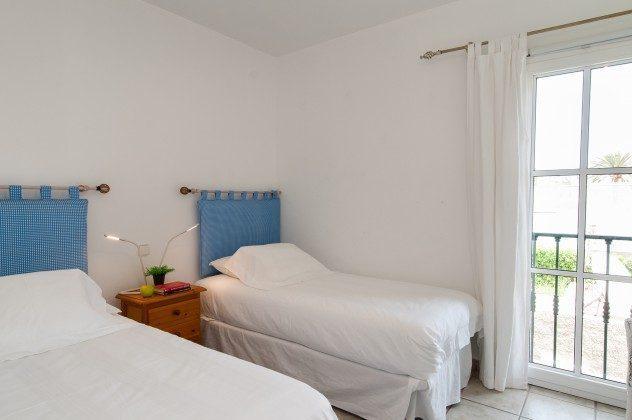 GC 164835-16 weiteres Schlafzimmer mit Einzelbetten