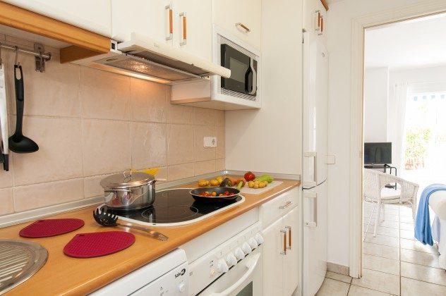 GC 164835-16 Küche mit großem Kühl-/Gefrierschrank